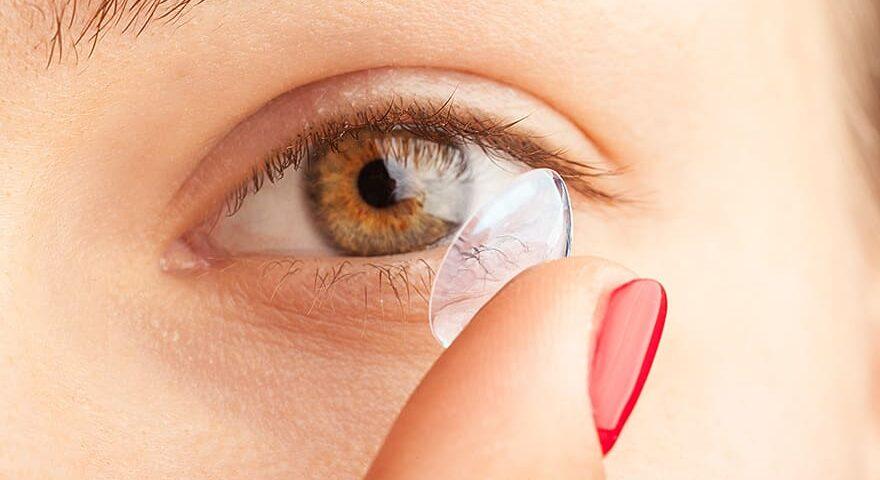 Comment mettre lentille de contact
